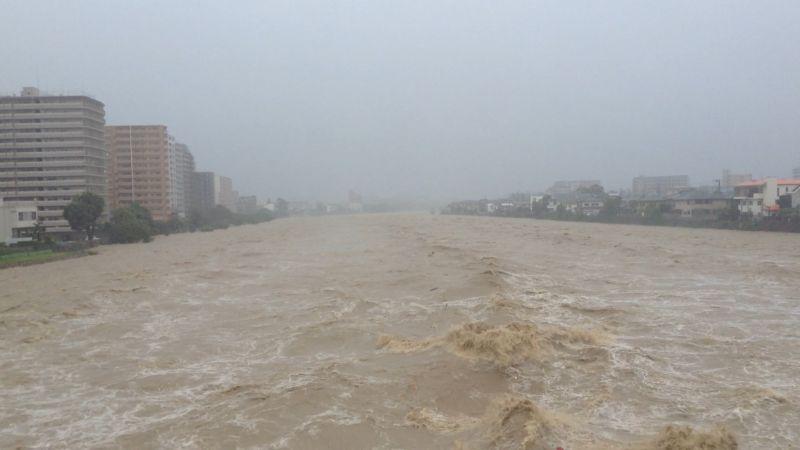 氾濫寸前の武庫川